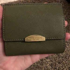 Henri Bendel wallet/coin pouch green